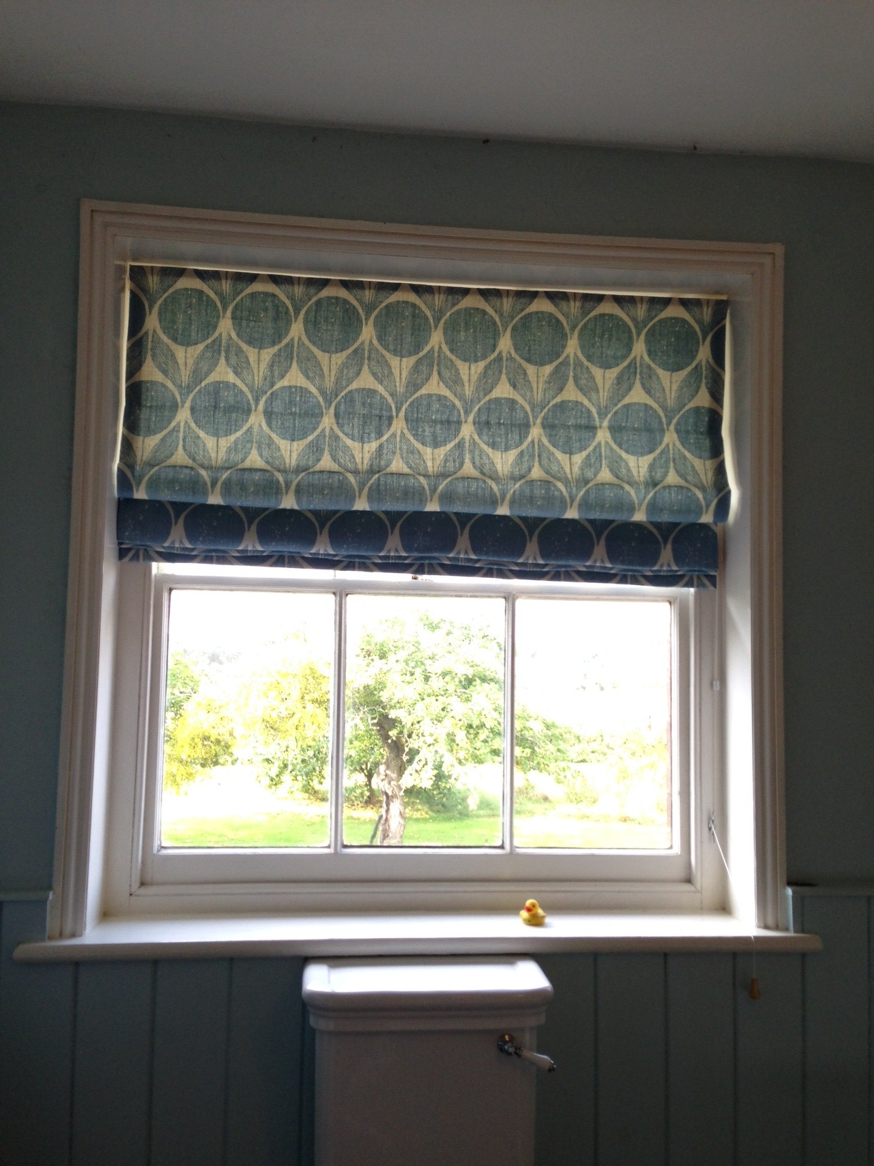 Roman blind in Romo Suvi Dresden blue